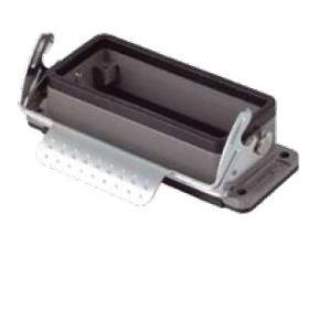 kryt zásuvky 16B do otvoru v panelu, kov, jeden zámek